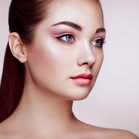Signature facial Renewal Aesthetics